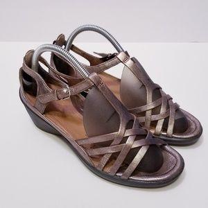 Ecco sz 39, US 8.5 Bronze Strappy Sandals